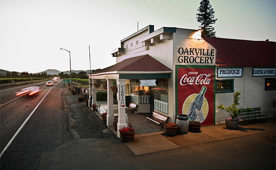 Napa Valley, Kalifornien: Oakville Grocery by Charles O'Rear (Copyright Charles O'Rear)