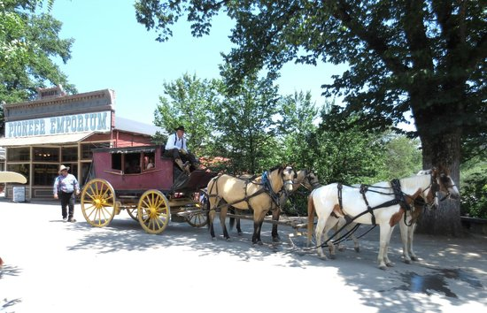 Columbia State Historic Park: Stagecoach rides