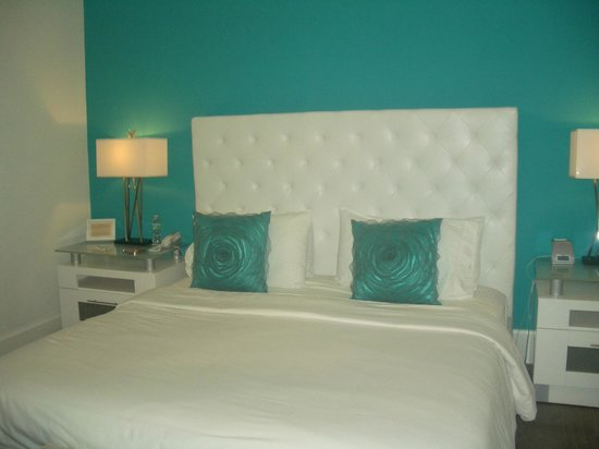 Ithaca of South Beach Hotel: Modern clean bedroom