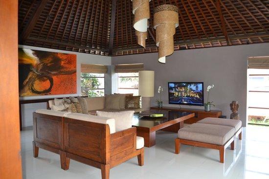Serene Villas : Living Room