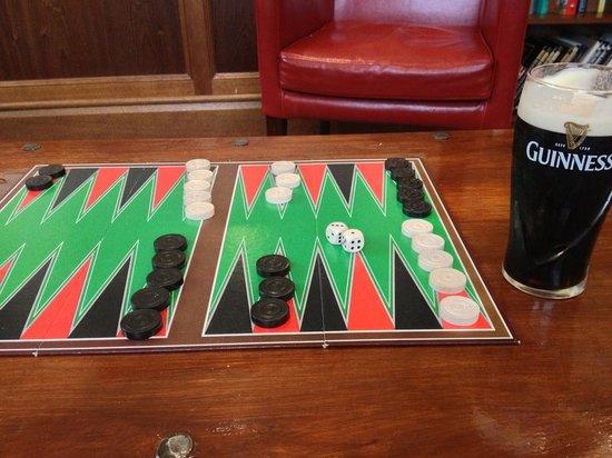 Best Western The Crianlarich Hotel: Backgammon & Guinness