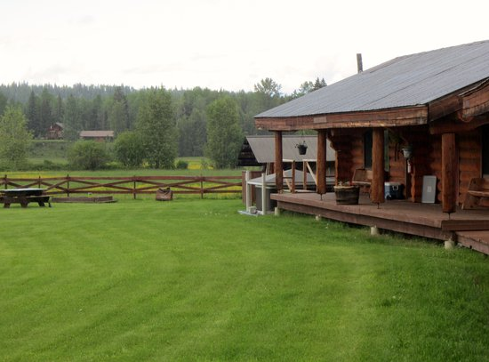 Wells Gray Guest Ranch: Lodges