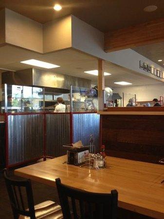 Fratellis Pizza : the kitchen
