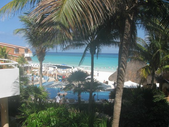 Sunset Fishermen Spa & Resort: View from a corner room in the resort