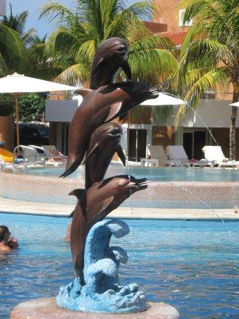 Sunset Fishermen Spa & Resort: Pleasant pool accommodations