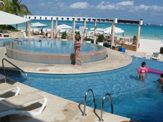 Sunset Fishermen Spa & Resort: Pool includes areas for adults and kids