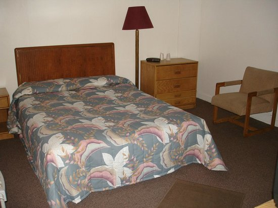 Newbury Street Inn: Queen bed
