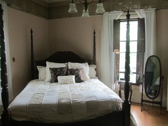 Proctor Mansion Inn: Another bedroom.