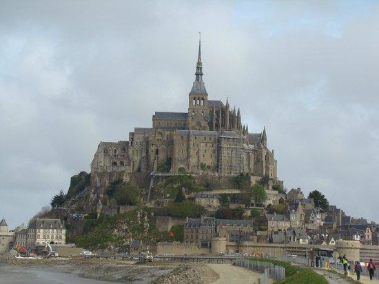 Biara Mont-Saint-Michel: Yendo a pie hasta el monte