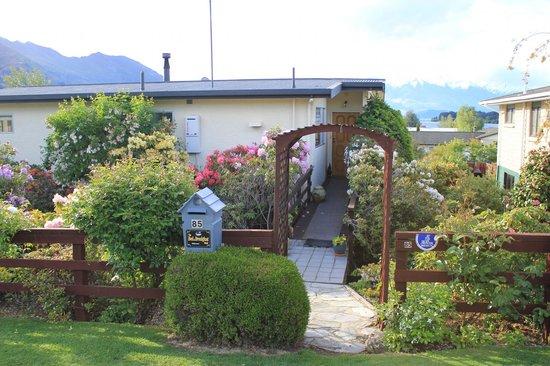 Entrance of Lake Wanaka Homestay