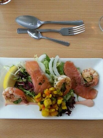 The Minnis Bay Bar & Brasserie: Home smoked salmon and prawn