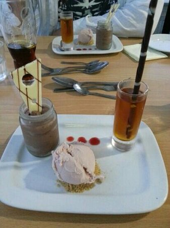 The Minnis Bay Bar & Brasserie: A trio of dessert