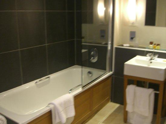 Wyck Hill House Hotel & Spa: Bathroom