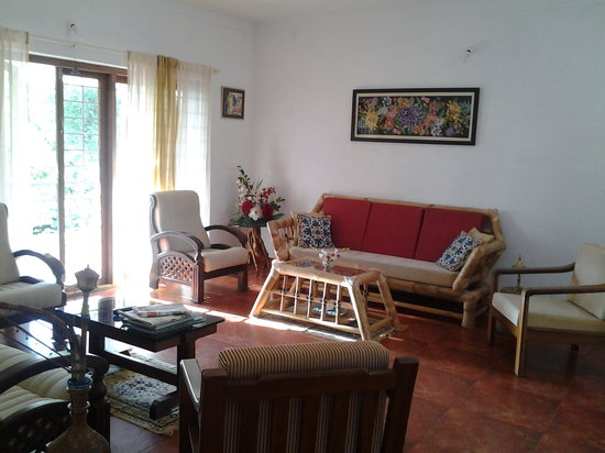 Casa Coorg Homestay: Living room