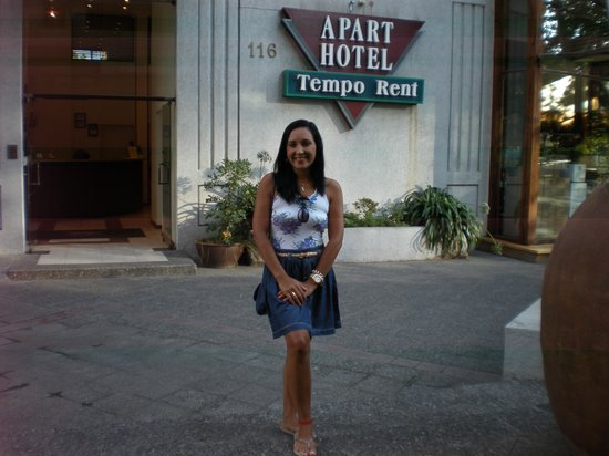 Tempo Rent Apart Hotel: Em frente ao apart hotel