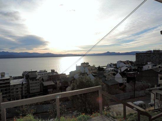 Hostel Inn Bariloche: Vista del lago Nahuel Huapi