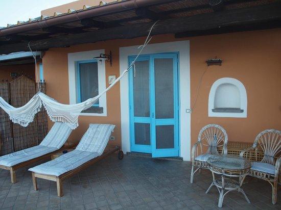 Hotel Mamma Santina: the entrance to the room