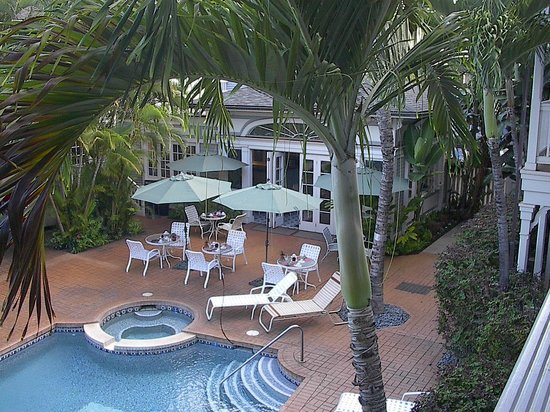 The Plantation Inn: From our Lanai room on the second floor