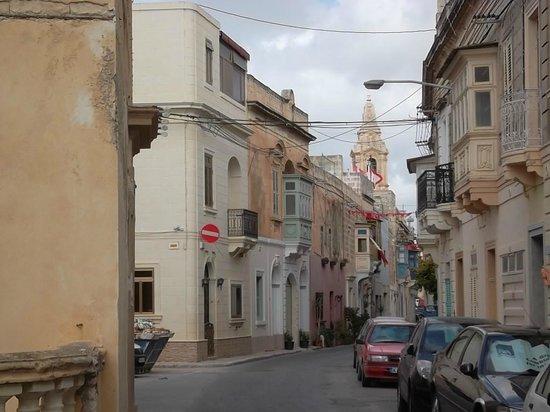 Chapel 5 Palazzo Suites B&B: une rue dans Naxxar