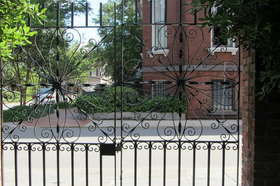 Davenport House Museum: intricate iron work