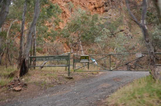 Black Hill Conservation Park: one of the entrance,gate 18