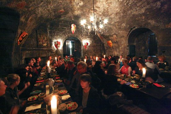 Dunguaire Castle's Medieval Banquet: Medieval Banquet in the castle - plenty of food!