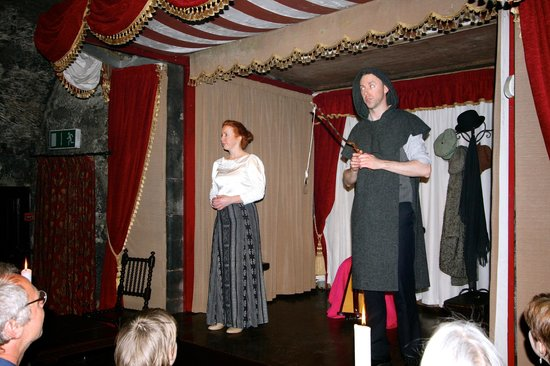 Dunguaire Castle's Medieval Banquet: Entertainment to finish the meal