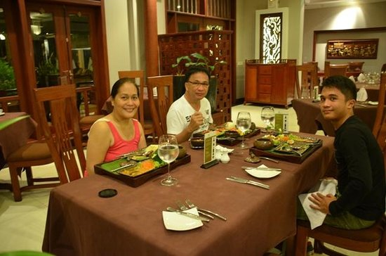 "The Privilege Floor by BOREI ANGKOR: enjoying the food..especially thaat of ""Amok""(?)"