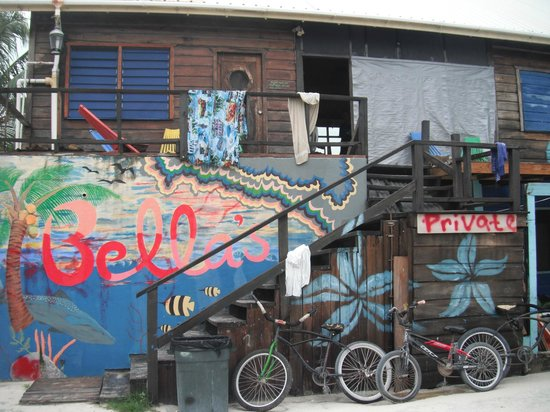 Bella's Backpackers: Front of Bella's