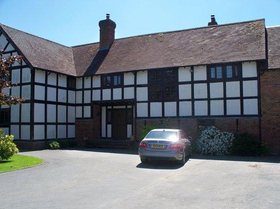Middlemoor Barn: Entry