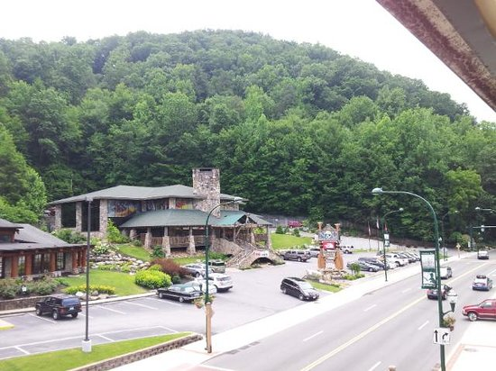 ‪‪Days Inn And Suites Downtown Gatlinburg Parkway‬: view from our room‬