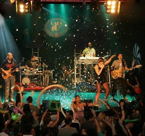 Lapa 40 Graus : brazilian rock, MPB and samba