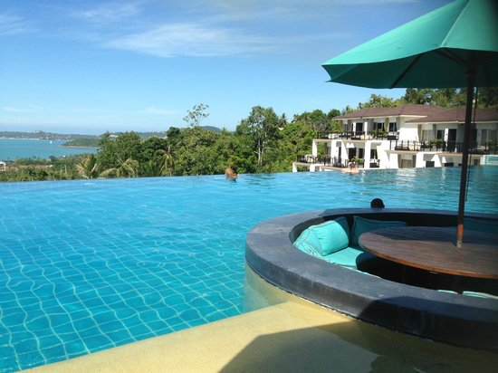 Mantra Samui Resort: View from Infinity pool