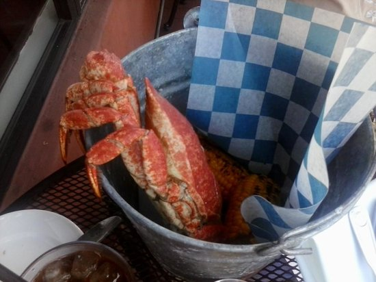 Arch Rock Fish: cheap crab feast Monday Tuesday