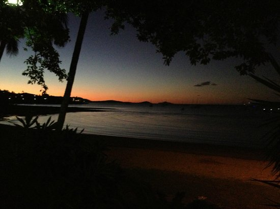 Airlie Beach Hotel : Sunset from Airlie Beach