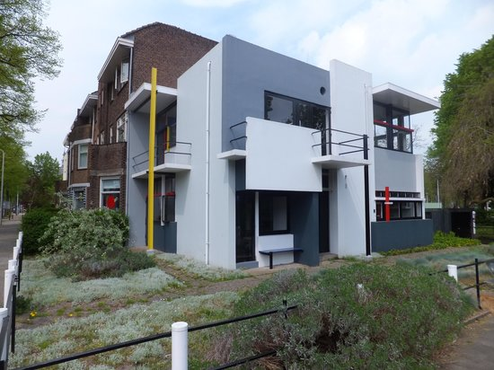 Rietveld schroder house utrecht all you need to know for Interieur utrecht