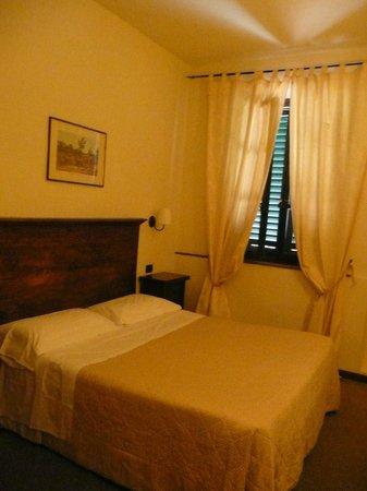 Hotel Emma: Room 8