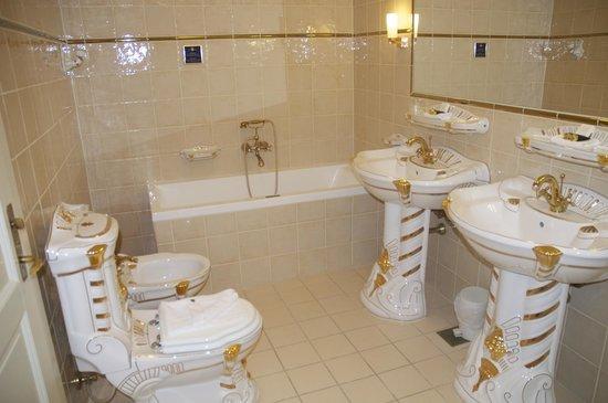 Hotel Royal Ott Bathroom