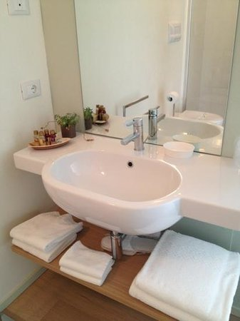Aromi Piccolo Hotel: Badezimmer mit Bioprodukten