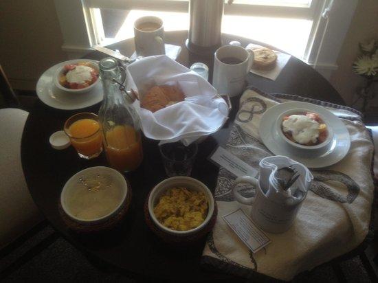 Cobbler's Walk Mendocino: Breakfast