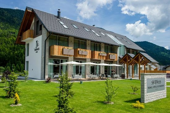 Hotel & Restaurant Skipass: Hotel spring time