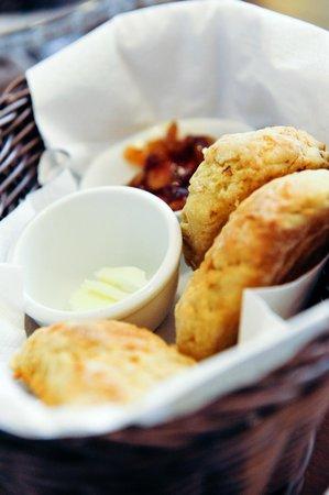 Halitatea: Freshly baked homemade scones