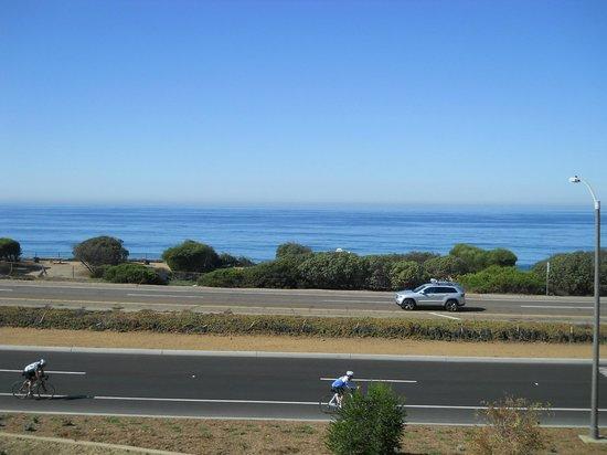 Cape Rey Carlsbad, a Hilton Resort : 朝、部屋からの眺めです、オーシャンビューバルコニーから