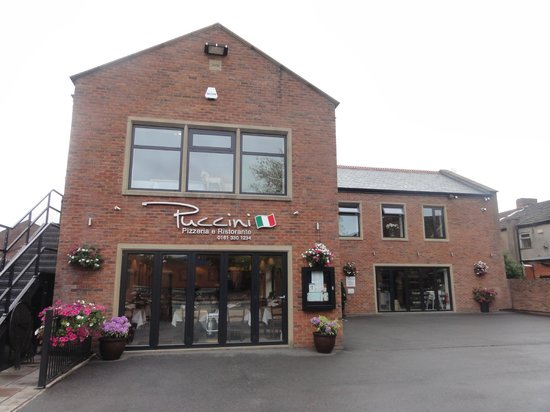 Puccini Ashton: Great looking building.