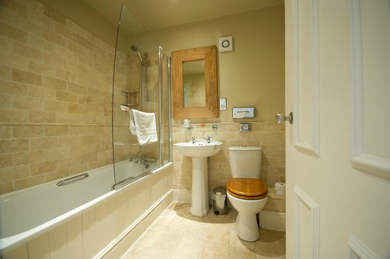 Bathroom at the Innkeeper's Lodge Alderley Edge