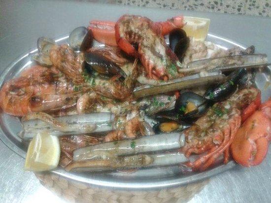 The Grand Sol: Parrillada de Pescado y Marisco