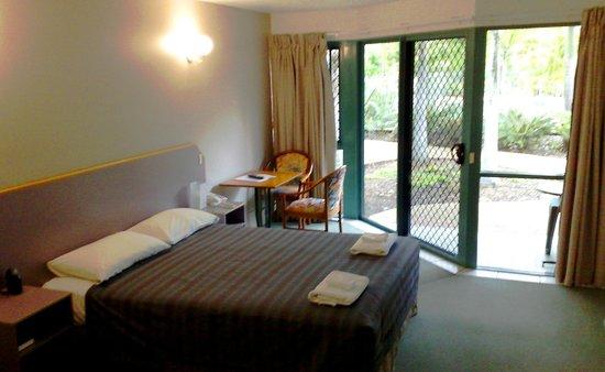 Capricorn Motel & Conference Centre: Own Patio