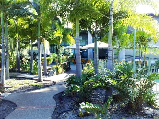 Capricorn Motel & Conference Centre: Tropical Surroundings