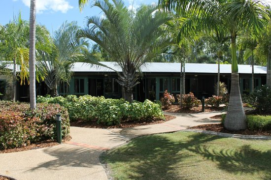 Capricorn Motel & Conference Centre: Garden Surrounds