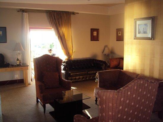 Protea Hotel by Marriott Walvis Bay Pelican Bay: Big Suite Sitting Area